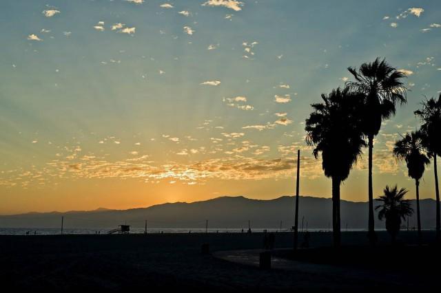 ים, שמש וספורט. אנרגיות טובות בסנטה מוניקה