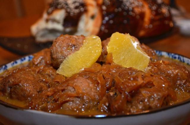 כדורי ברווז ברוטב בצל ותפוזים