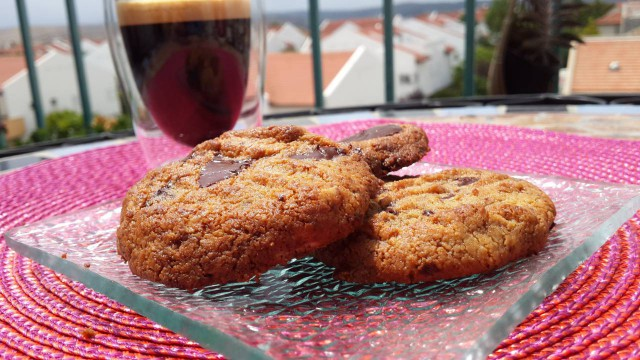 עוגיות שוקולד צ'יפס {פליאו}