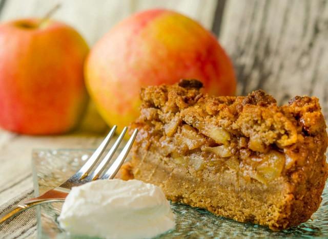עוגת קראמבל תפוחים פליאו